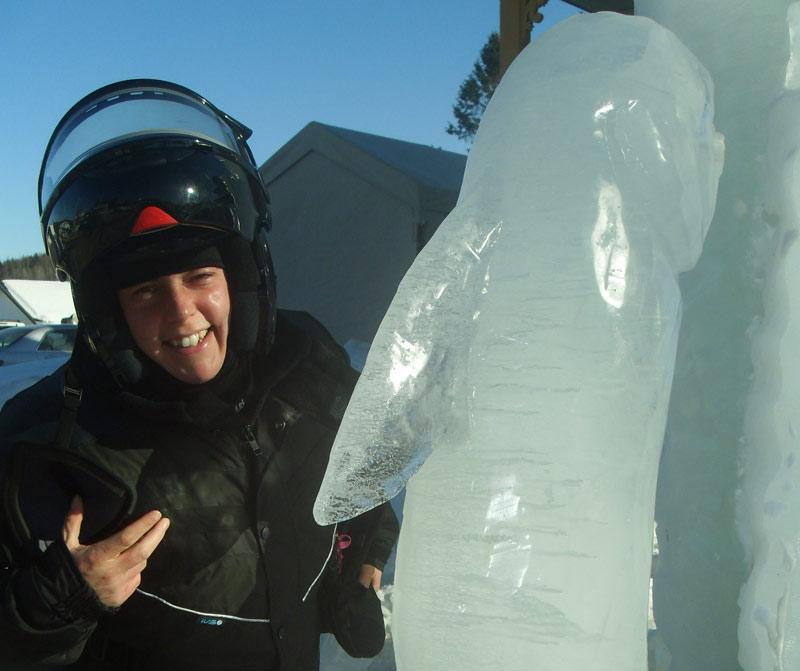 Pascale et sculpture sur glace à St-Côme